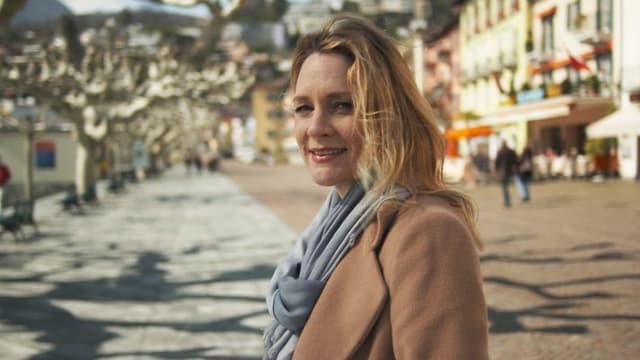 Video «Mit Eva Wannenmacher aus dem Tessin, dem Florida der Schweiz» abspielen