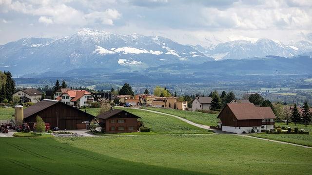 Blick auf Oberwil-Lieli im Kanton Aargau