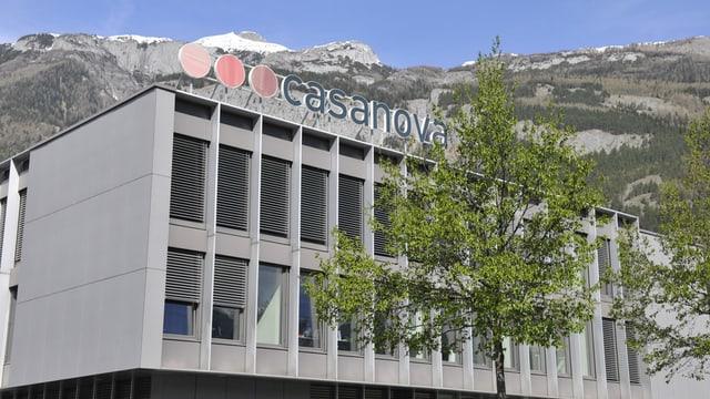 Il bajetg da la Casanova Druck und Verlag AG a Cuira.