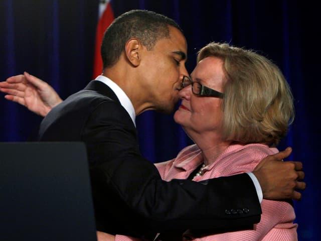 Claire McCaskill 2010 mit dem damaligen US-Präsidenten Barack Obama