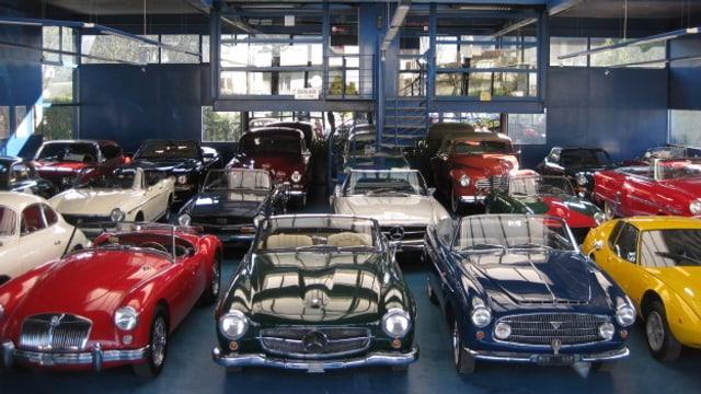 Video ««Tacho» - Fahrzeugaufbereitung, Tesla Model S & Touring Garage» abspielen