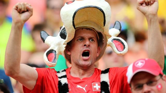 Ein Nati-Fan beim WM-Spiel zwischen der Schweiz und Honduras in Brasilien.
