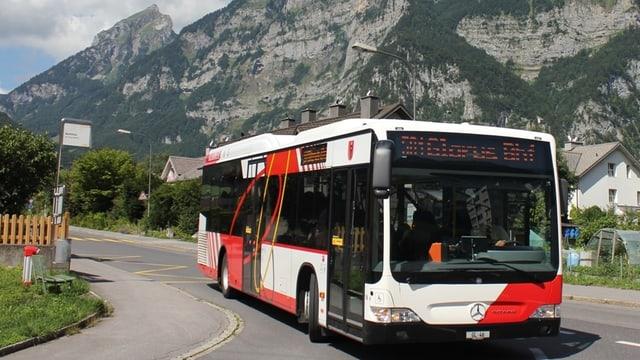 Ein Glarner Bus