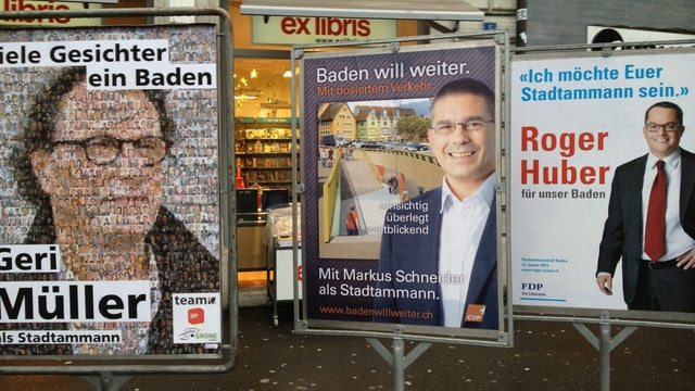 Wahlplakate in der Stadt Baden.