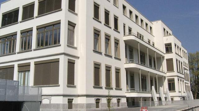 Die alte Frauenklinik des Luzerner Kantonsspitals nach der Renovation.