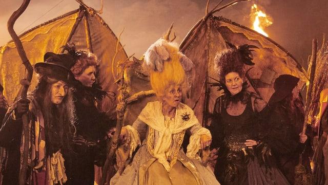 Die Hexen feiern in der Walpurgisnacht.