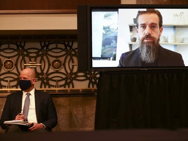 Jack Dorsey via Videoübertragung im Senat