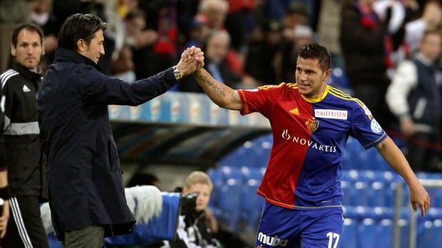 Coach Murat Yakin und Stürmer Raul Bobadilla wollen in die CL-Gruppenphase.