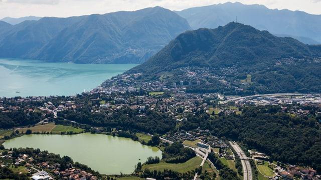 Vista sin la citad da Lugano.