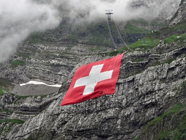 Schweizer Fahne am Säntis.