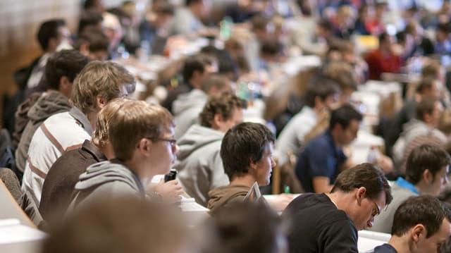 Studierende an der UNI St.Gallen