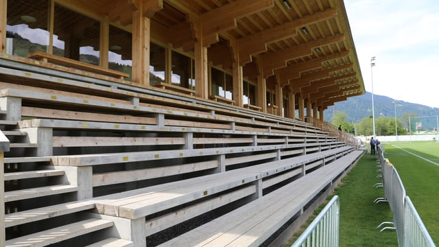 stadion da ballape da l'US Schluein Glion