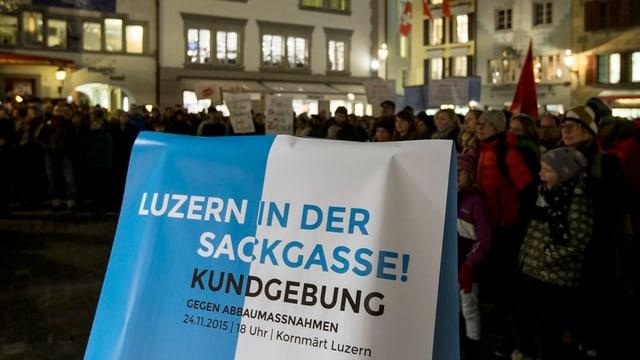 Plakat bei einer Kundgebung in Luzern