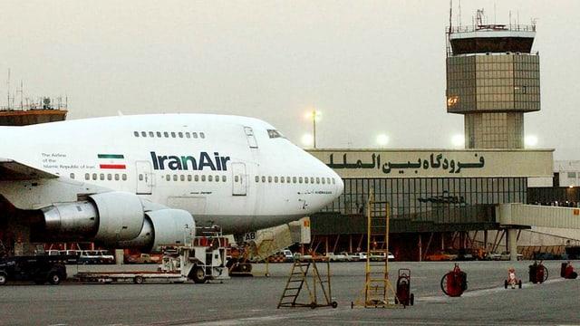 Eine Boeing 747 der Iran Air am Flughafen Teheran (Archivbild).