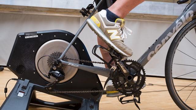 Velo: Das Hinterrad wurde durch ein spezielles Gerät ersetzt.