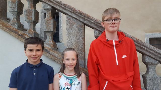 Da sanestra; Flurin Salzgeber, Lina-Margaritta Salzgeber e Lucas Candinas