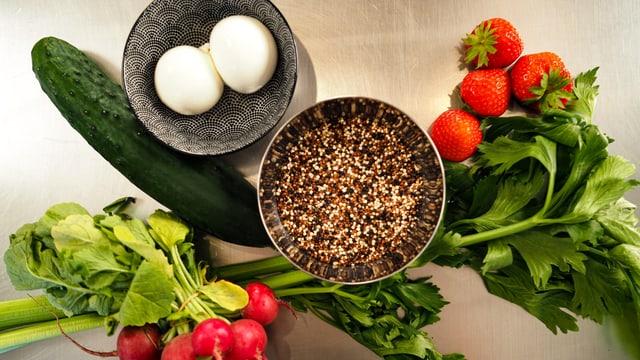 Las ingredienzias per la Quinoa-Bowl da stad.