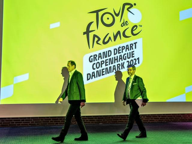 Organisatoren der Tour de France bei einer Präsentation.