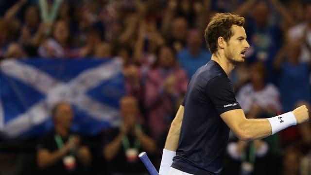 Andy Murray ballt nach einem gewonnen Punkt die Faust.