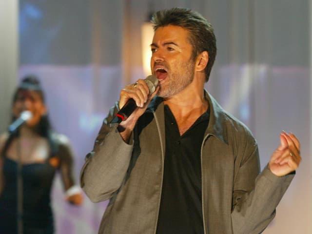 George Michael während eines Auftritts.
