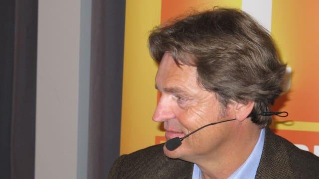 Björn Berg mit Headphone während der Sendung-