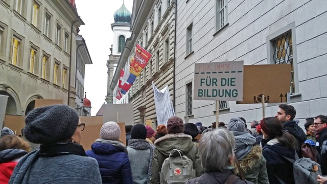 Die Kürzungen in der Bildung führten im Kanton Luzern schon zu Protesten.