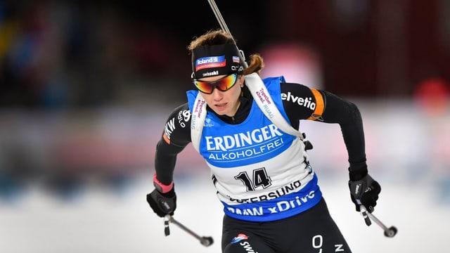 Selina Gasparin durant la cursa ad Östersund en la Svezia.
