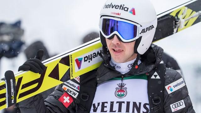 Ammann porta ses skis.