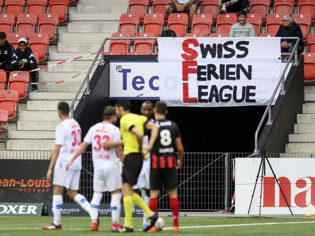 Transparent beim Match Xamax-Sion.