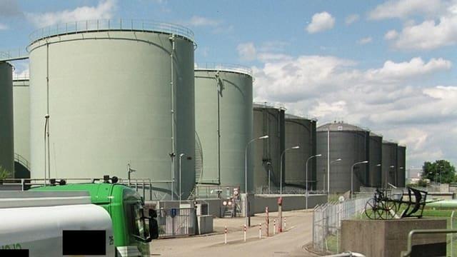 Ils importaders da carburant ston cumpensar las emissiuns da CO2.