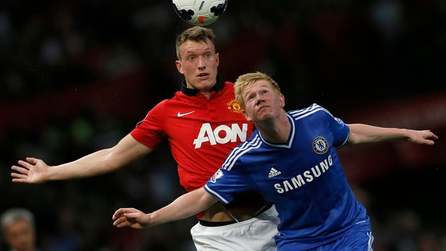 Bei José Mourinhos Chelsea wurde der junge Belgier (vorne) kaum berücksichtigt.