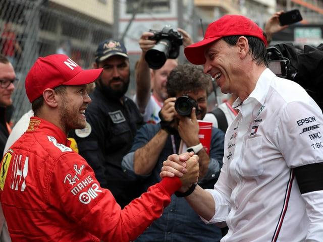 Toto Wolff im Gespräch mit Sebastian Vettel