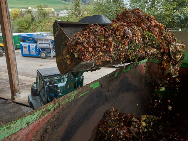 L'agid svizzer per la muntogna ramassa quest onn daners per gidar a finanziar oravant tut projects d'energia locala. Per exempel implants per utilisar biomassa a Seewis.