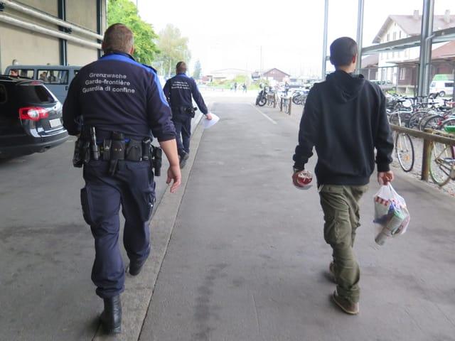 Grenzwache und Flüchtlinge