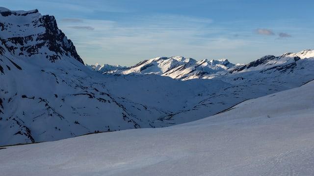 Verschneiter Pass
