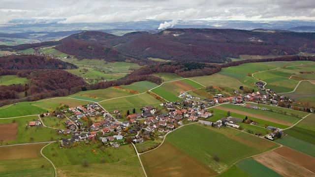 Die Gemeinde Oberbözberg von oben