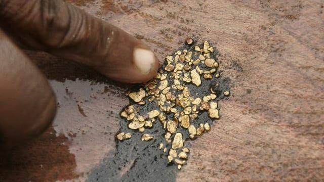 Ein paar Grämmchen Gold aus dem Bergbau (Symbolbild).