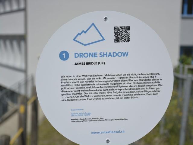 La descripziun per la sumbriva da la drona da spiunescha.