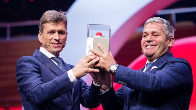 Christoph Meyer und Tobias Meyer freuen sich über den Prix SVC Zentralschweiz 2018.