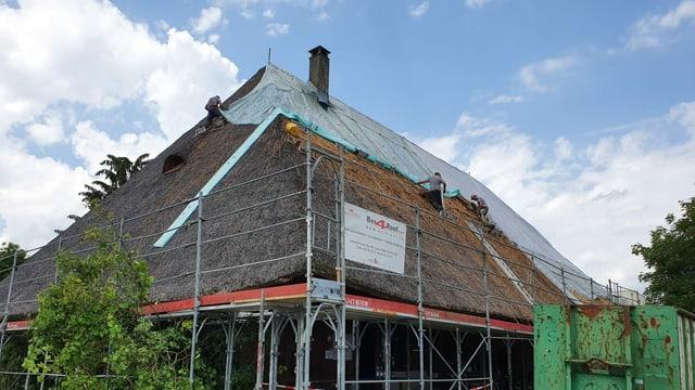 Hausdach aus Stroh