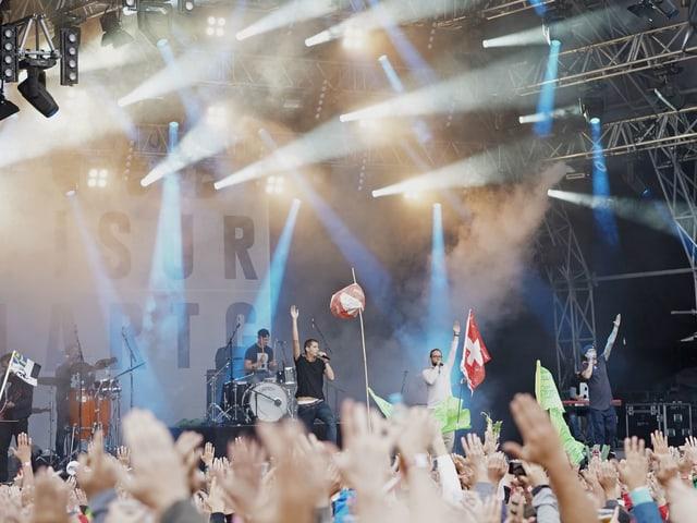Breitbild durant il concert