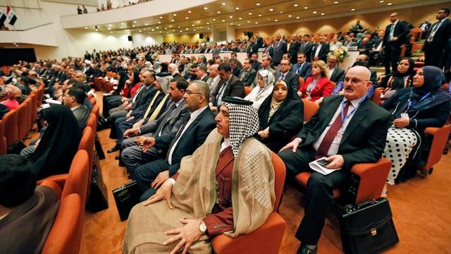 Irakische Parlamentarier an einer Sitzung am 1. Juli 2014. (reuters)