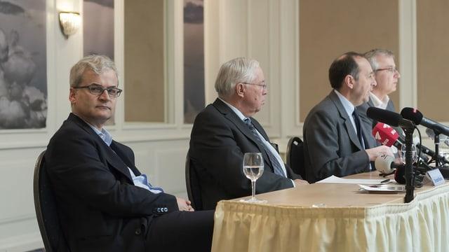 Somm und Blocher 2018 an einer Medienkonferenz zum Verkauf der BaZ