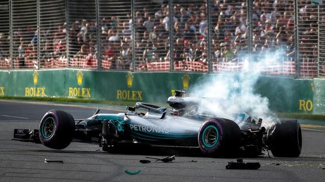 Purtret da l'auto destruì da Valtteri Bottas.
