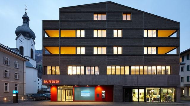 La filiala da la Raiffeisen a Glion.