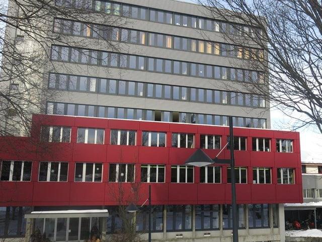 Das mehrstöckige Institutsgebäude.