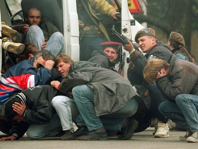 20 Jahre nach Ausbruch des Bosnien-Kriegs fragte Input: Was ist aus den rund 30'000 Leuten geworden, die bei uns Zuflucht fanden?