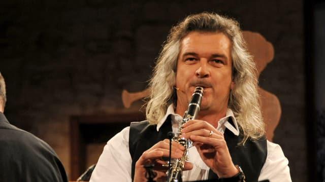 Video «Potzmusig unterwegs - Goldener Violinschlüssel für Dani Häusler» abspielen