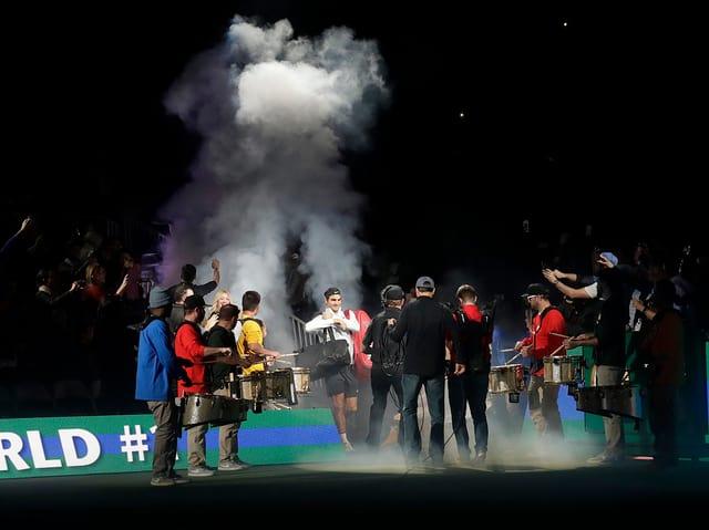 15'000 Zuschauer fieberten in San Jose dem Auftritt von Roger Federer entgegen.
