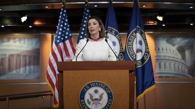 Die Sprecherin des US-Abgeordnetenhauses, Nancy Pelosi, wirft Peking «barbarische Taten» vor.